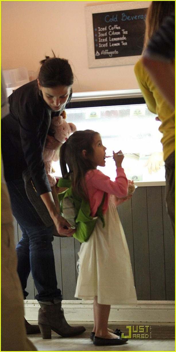 suri cruise sundaes monday 09