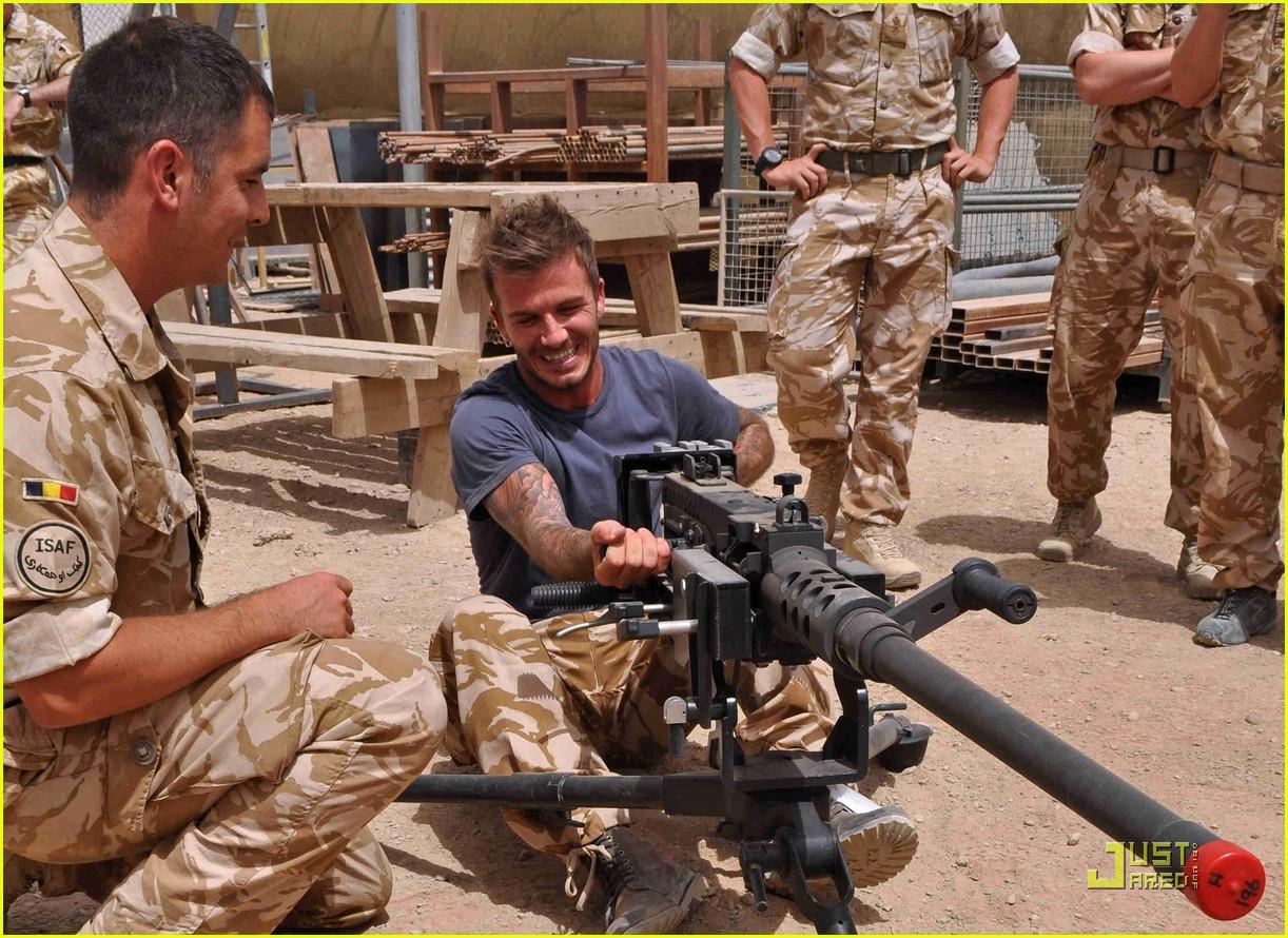 david beckham boosts british troop morale 022453050