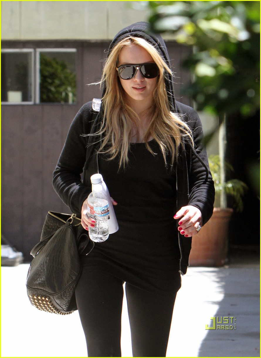 hilary duff mike comrie pasternak 032454756