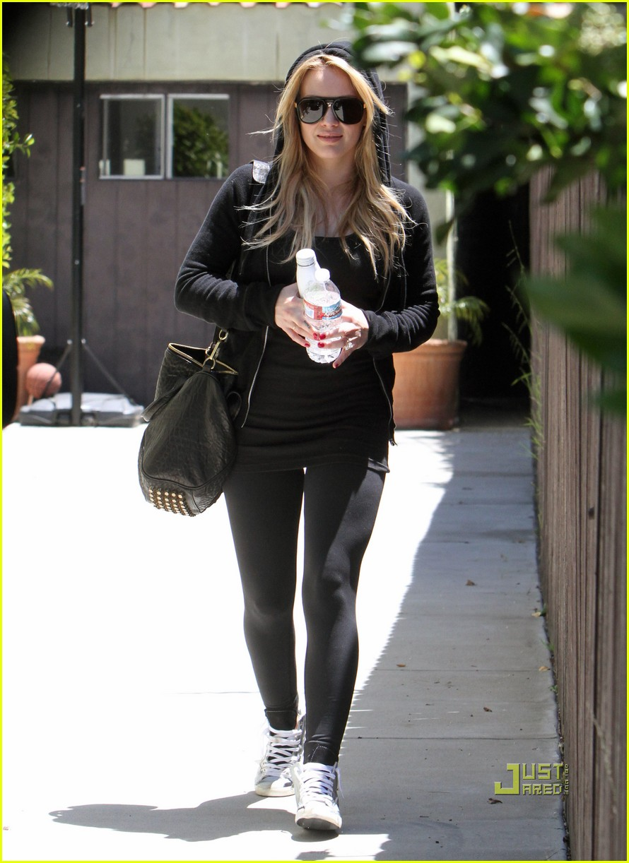 hilary duff mike comrie pasternak 102454763
