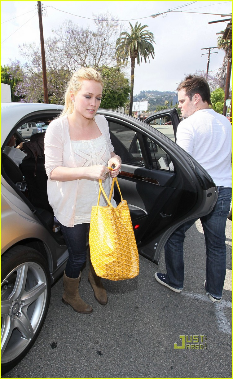 hilary duff yellow fever 052451738