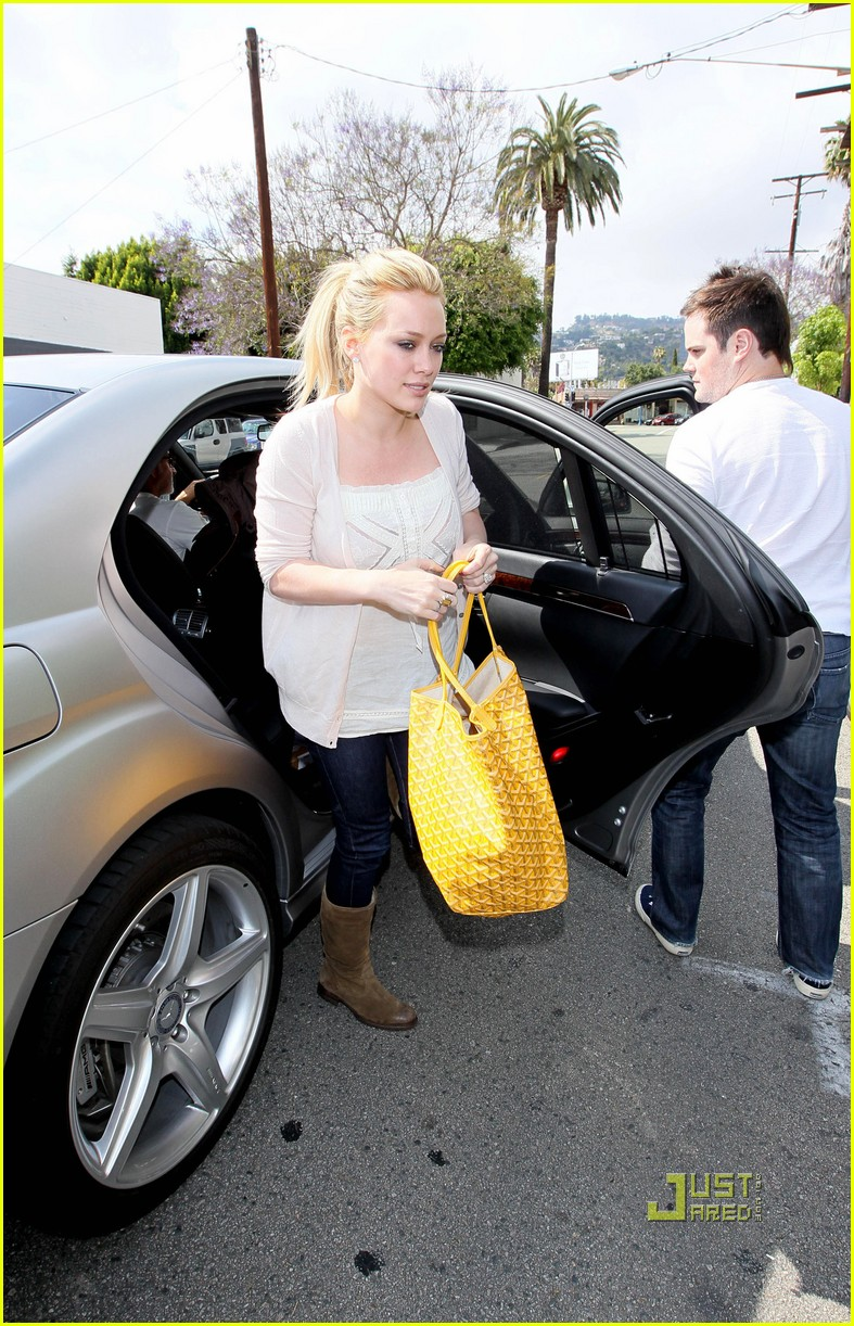 hilary duff yellow fever 092451742