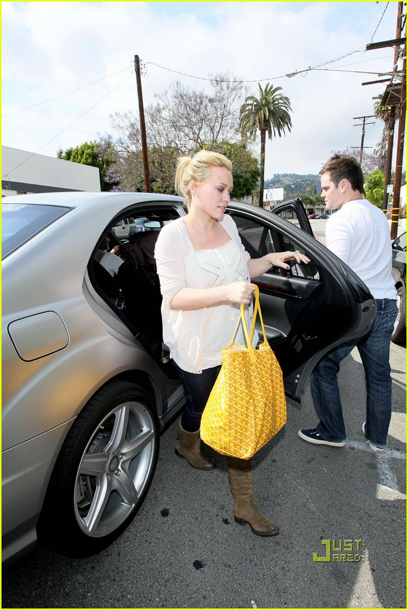 hilary duff yellow fever 112451744