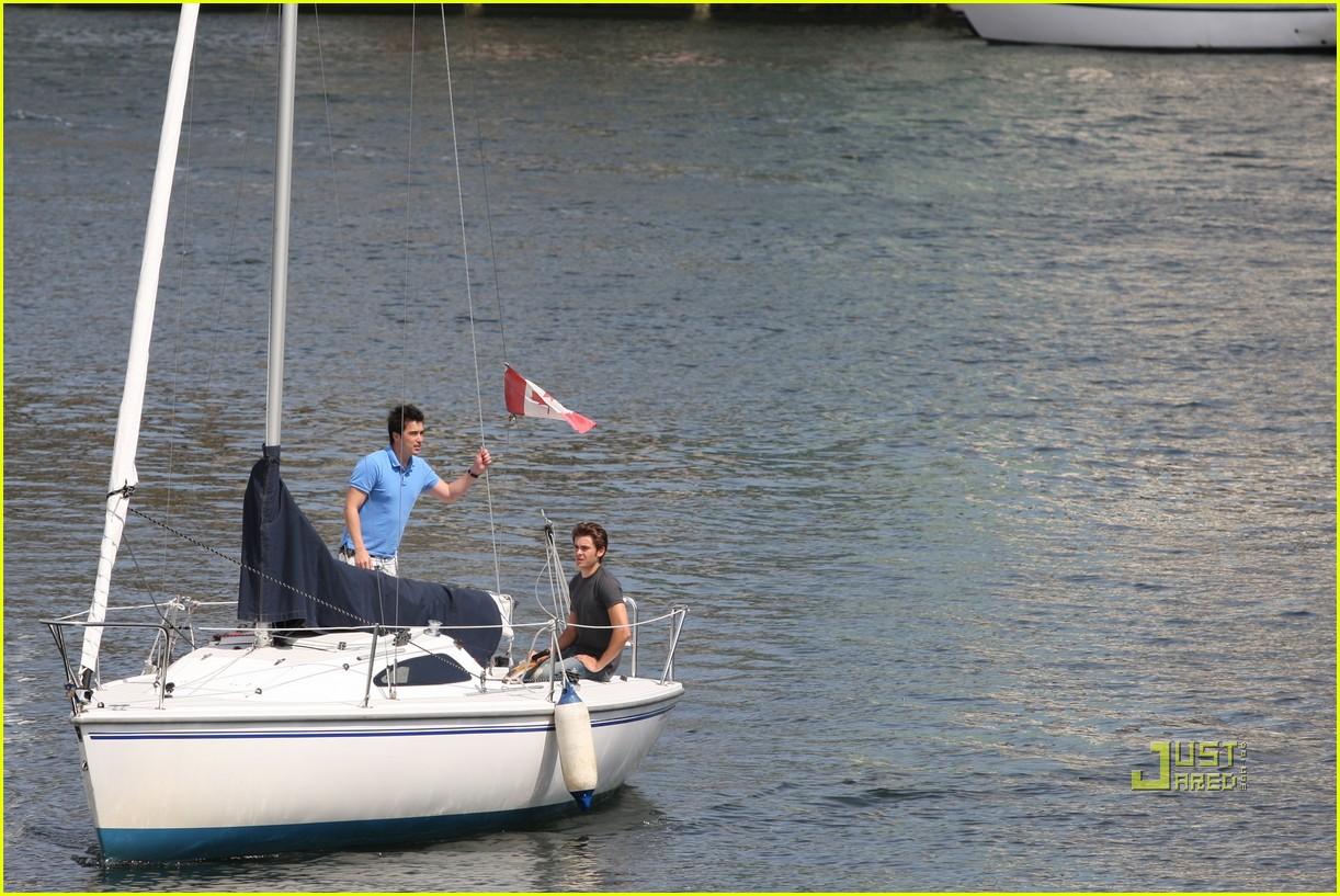 zac efron sailing vancouver 112451857