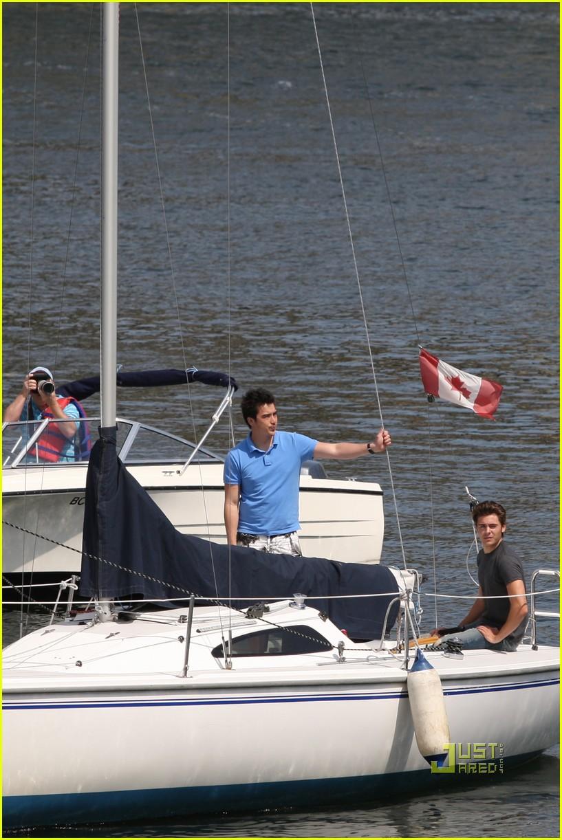 zac efron sailing vancouver 152451861