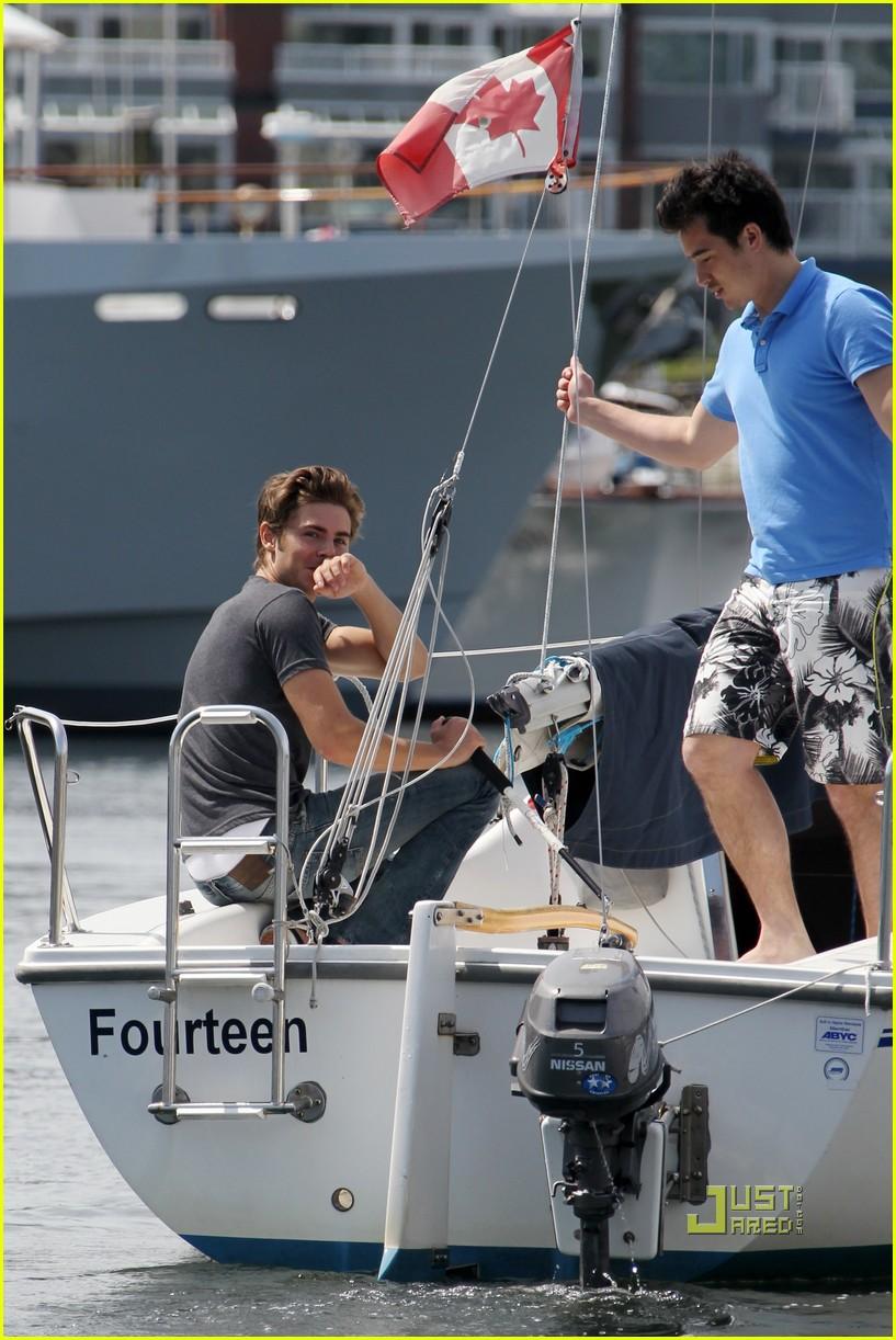zac efron sailing vancouver 222451868