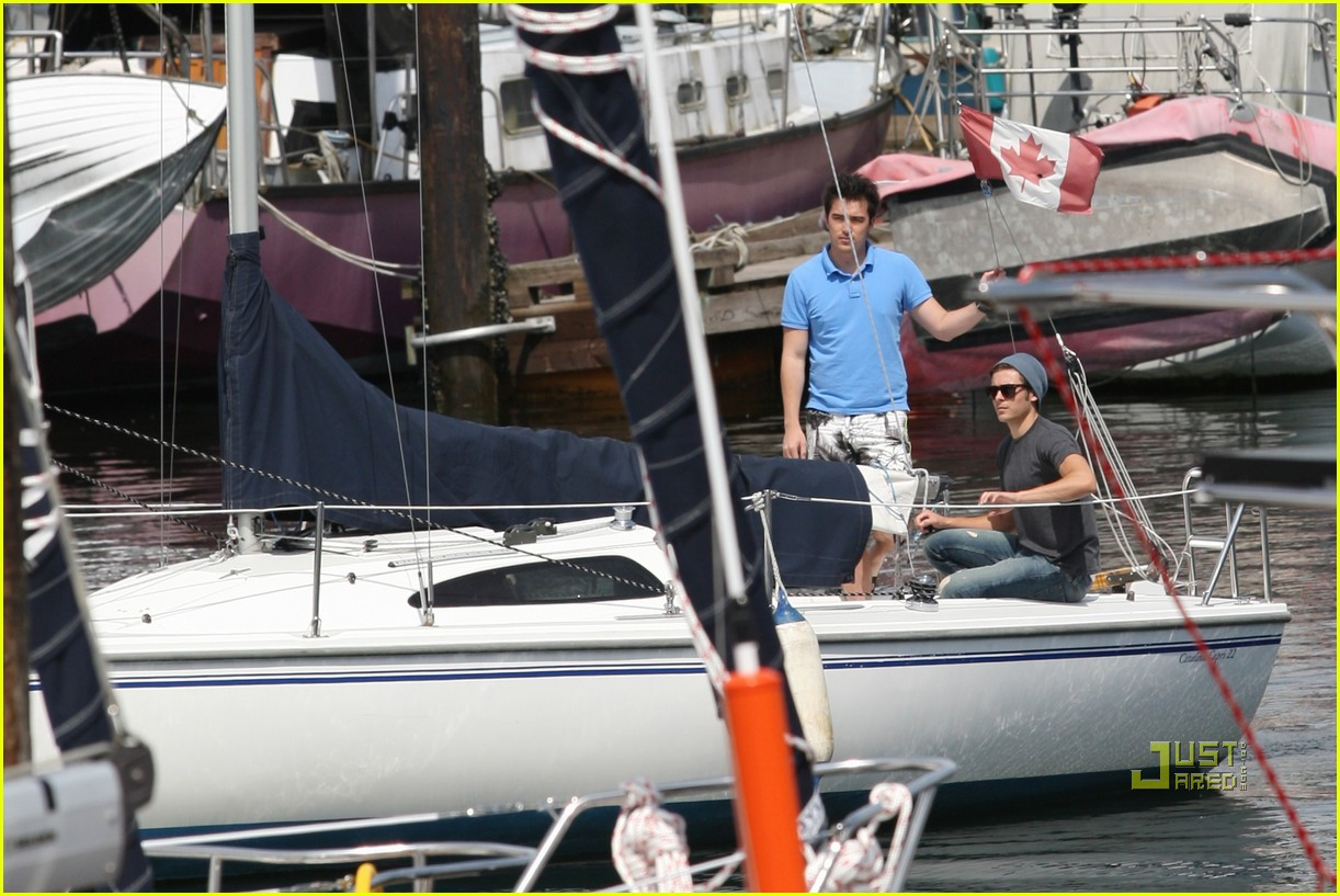 zac efron sailing vancouver 242451870