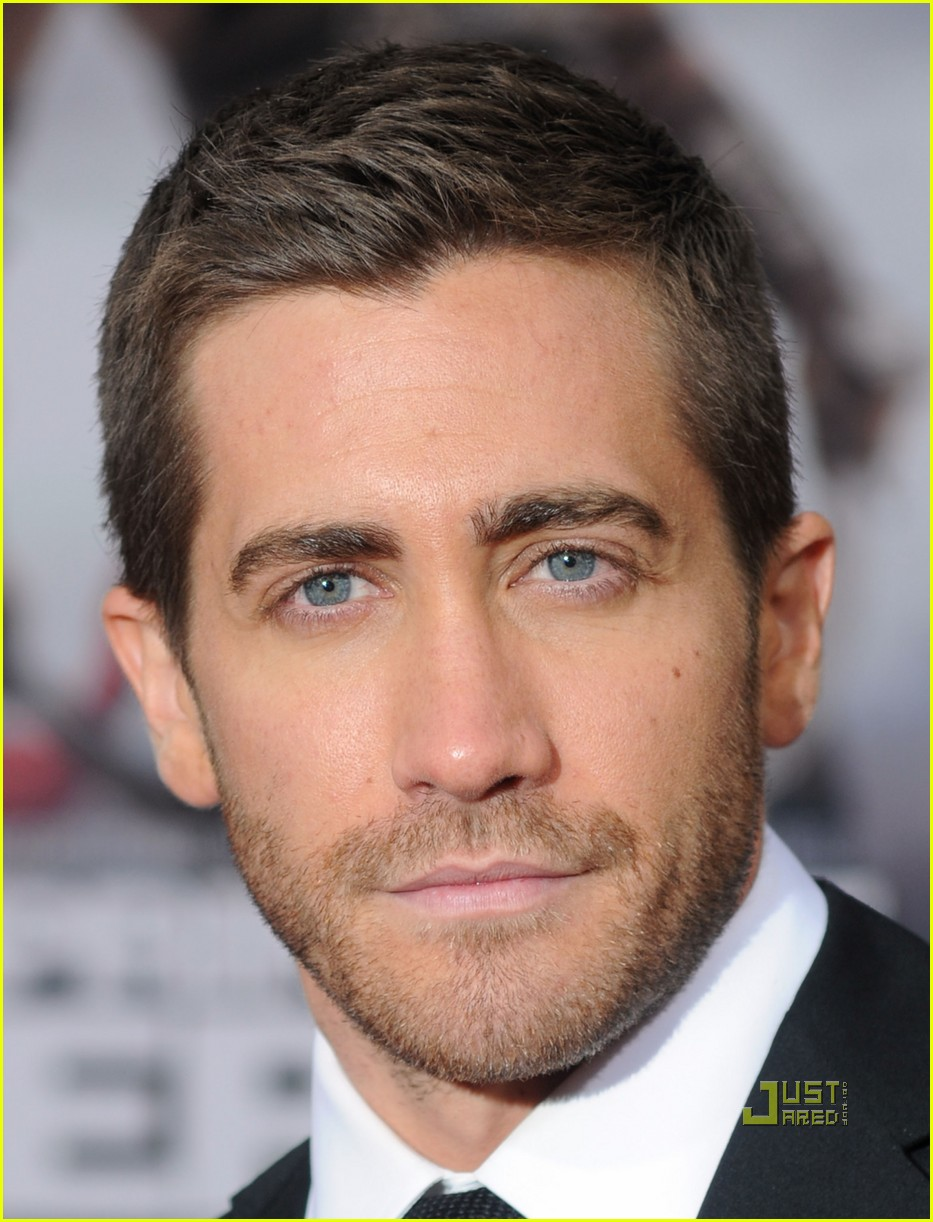 jake gyllenhaal tom ford 122451517