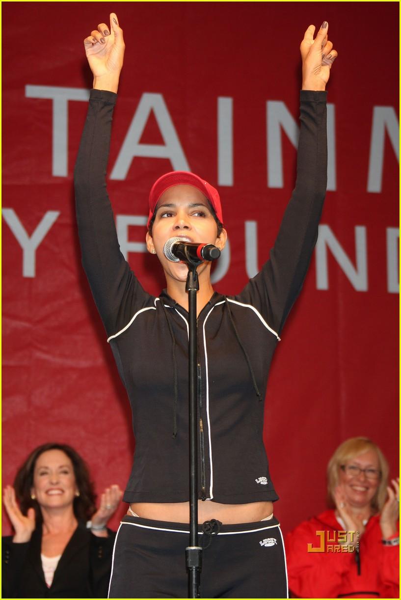 Halle Berry: Revlon Run with Jessica Alba (and Biel!): Photo ...