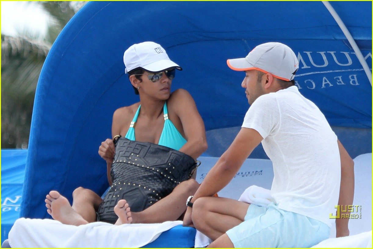 halle berry miami beach babe 142455162