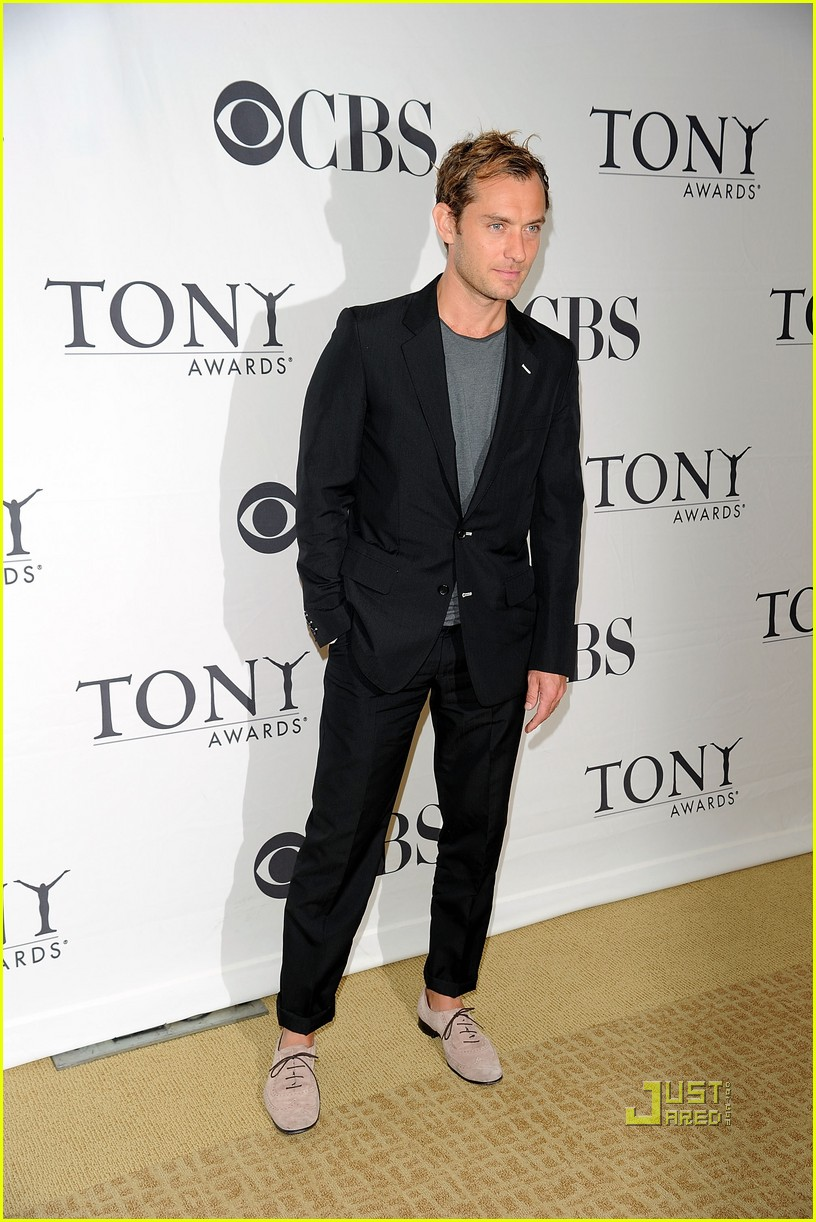 jude law meet the tony nominees 01