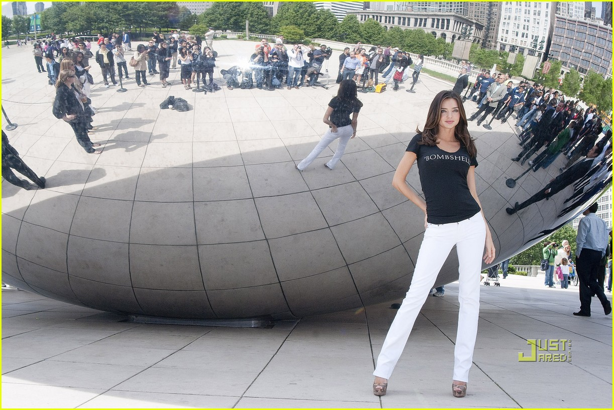 miranda kerr miraculous millennium park chicago 072452459