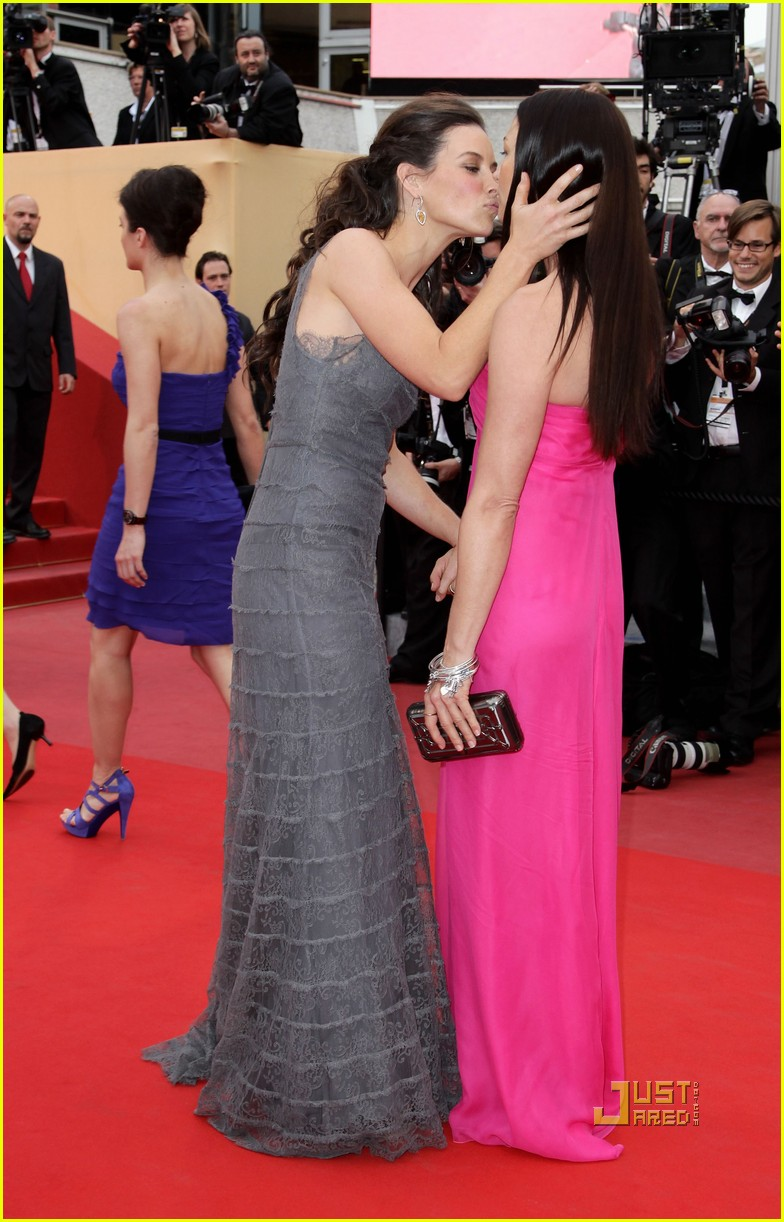 evangeline lilly cannes red carpet photo 2451194 2010