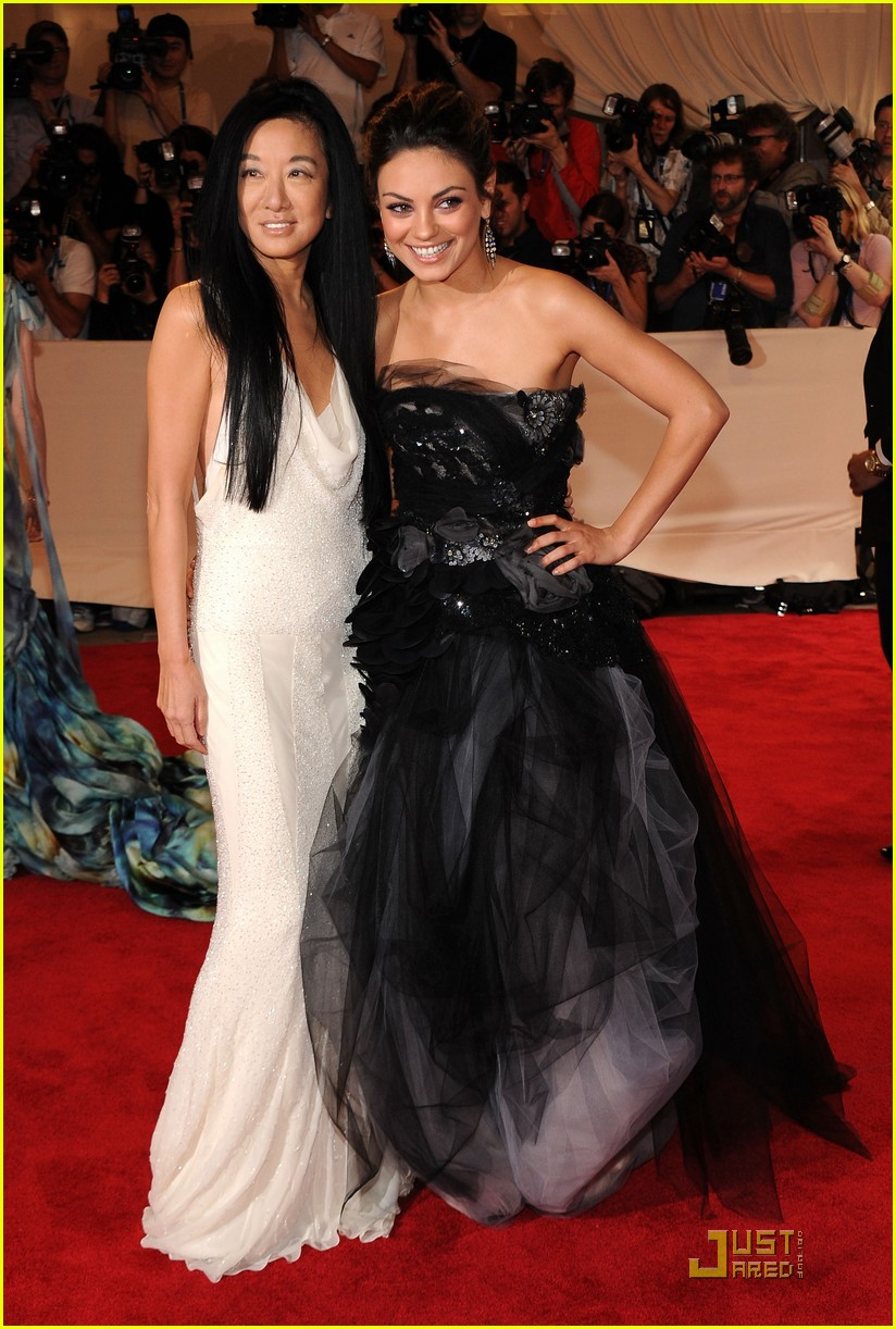 Mila Kunis Invited To The Jihadists Ball new foto