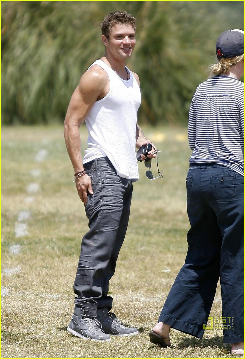 ryan phillippe deacon flag football 07