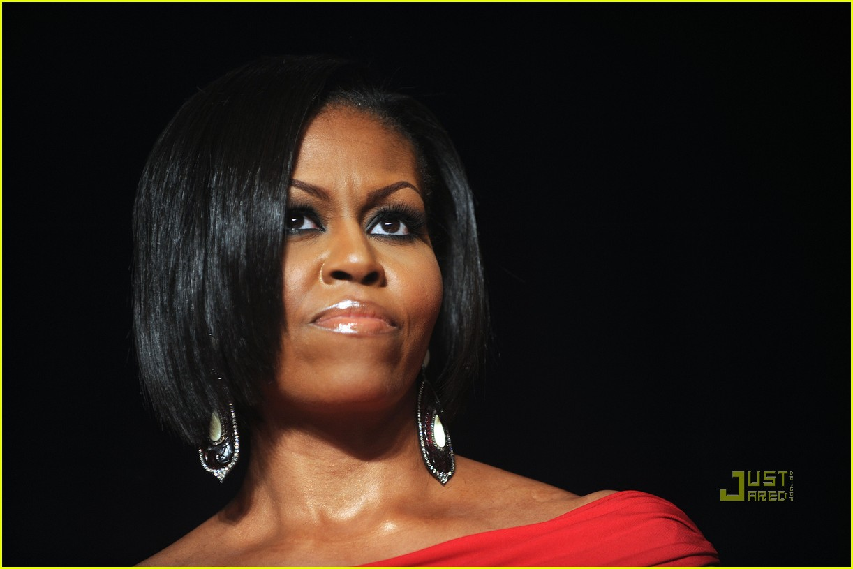barack obamas wife college thesis Scott johnson lights into michelle obama here's my post after seeing mo speak in madisoni didn't see the problem hitchens is on her case too: i direct your attention to mrs obama's 1985 thesis at princeton university.