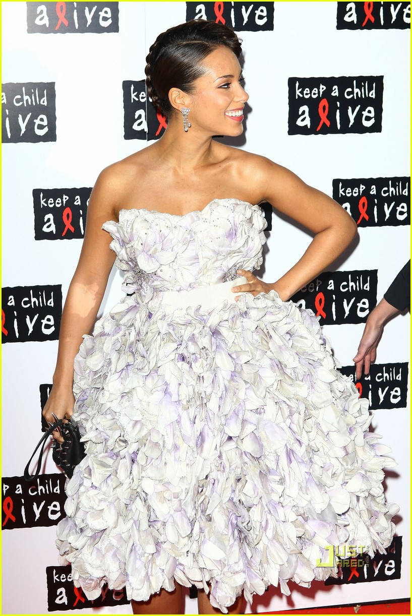 Alicia Keys: Poofy Pregnant Dress?: Photo 2454341 | Alicia Keys ...