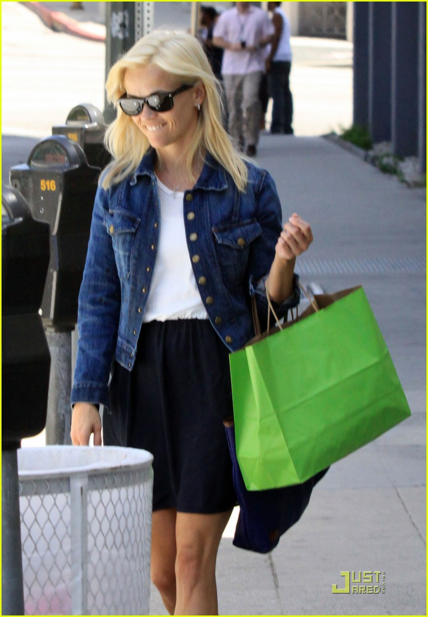 reese witherspoon blue belle 032448701