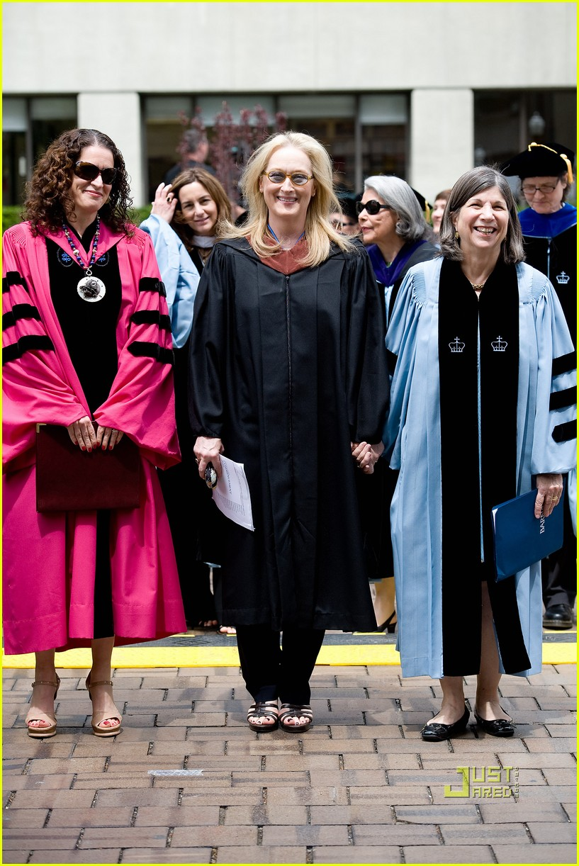 meryl streep barnard college college commencement 032451606