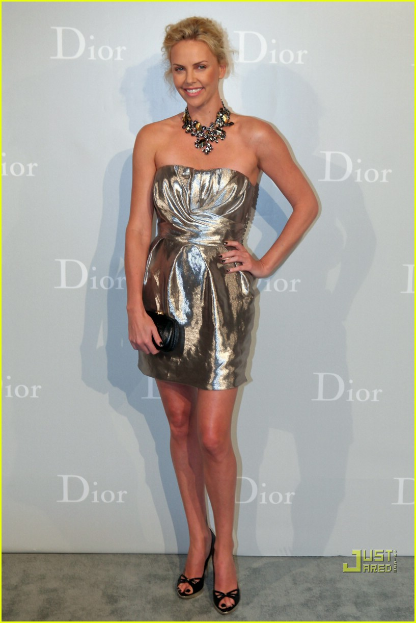 charlize theron dior darling 012450930