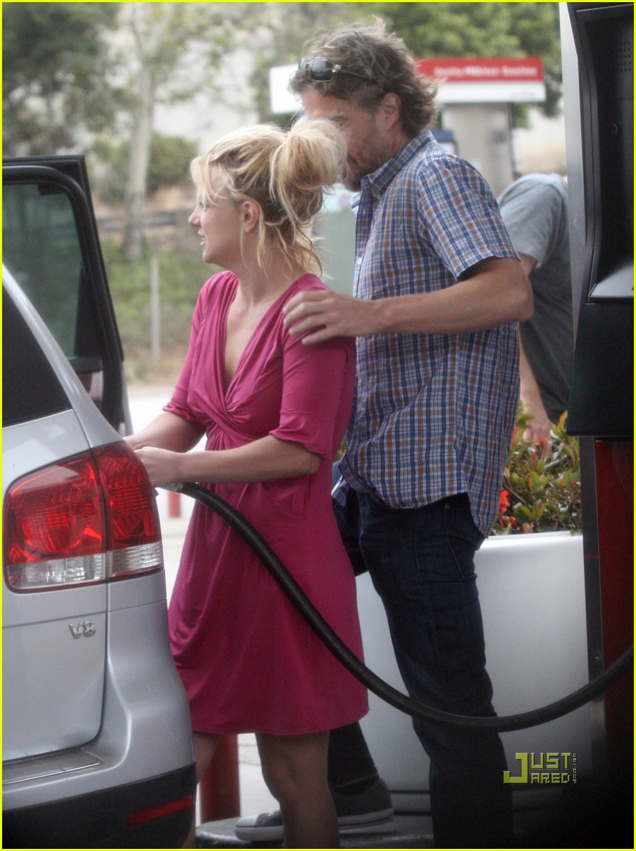 britney spears gas pump jason trawick 04