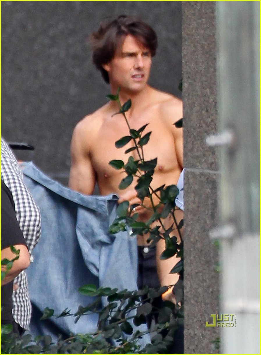 tom cruise shirtless 012458188