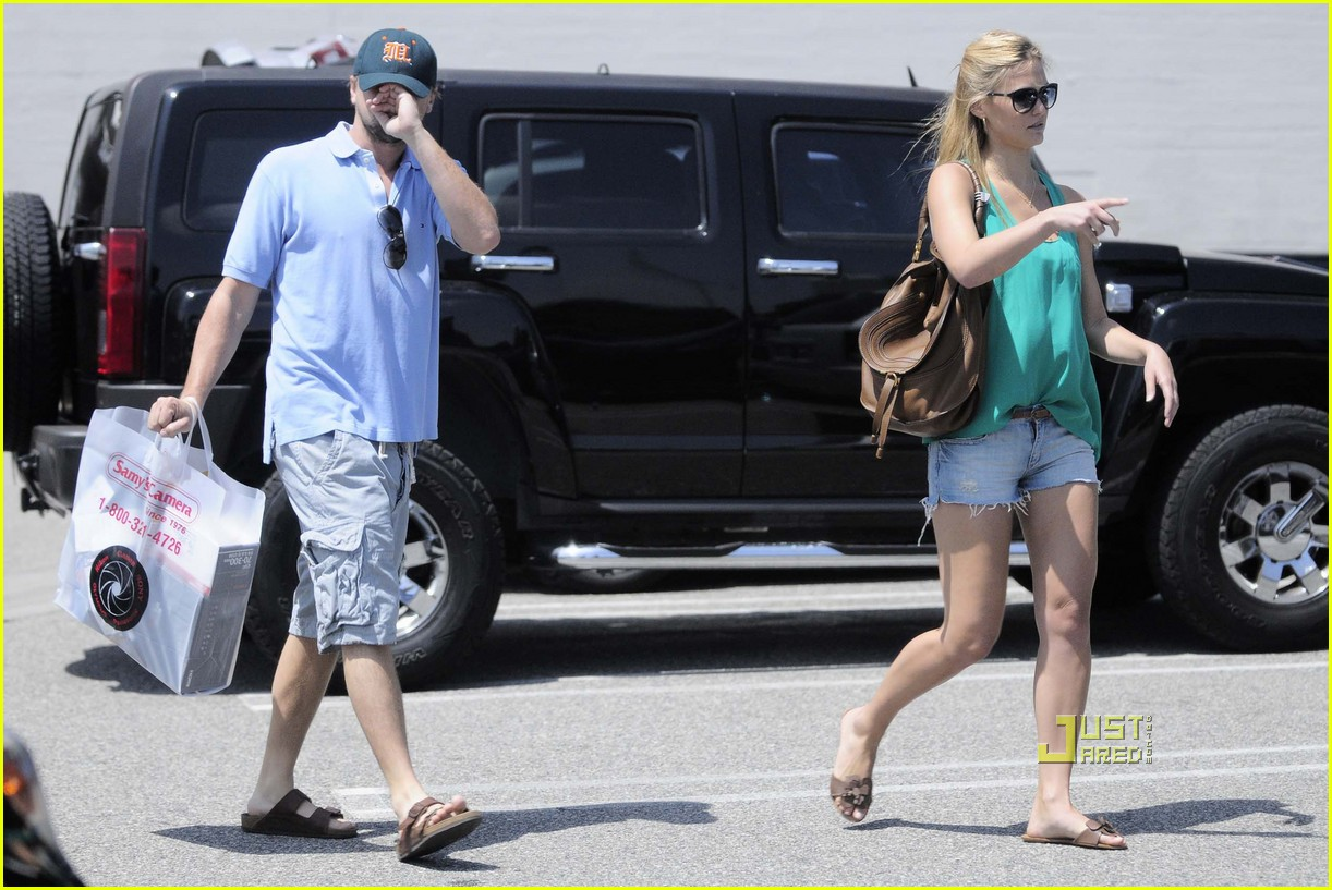 Leo DiCaprio & Bar Refaeli: Samy's Camera Couple: Photo 2455429 ...