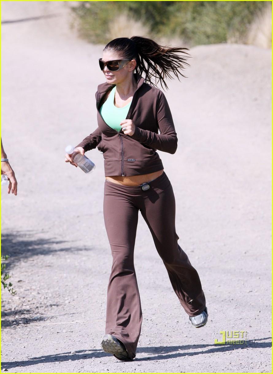 fergie josh duhamel jogging brentwood 08