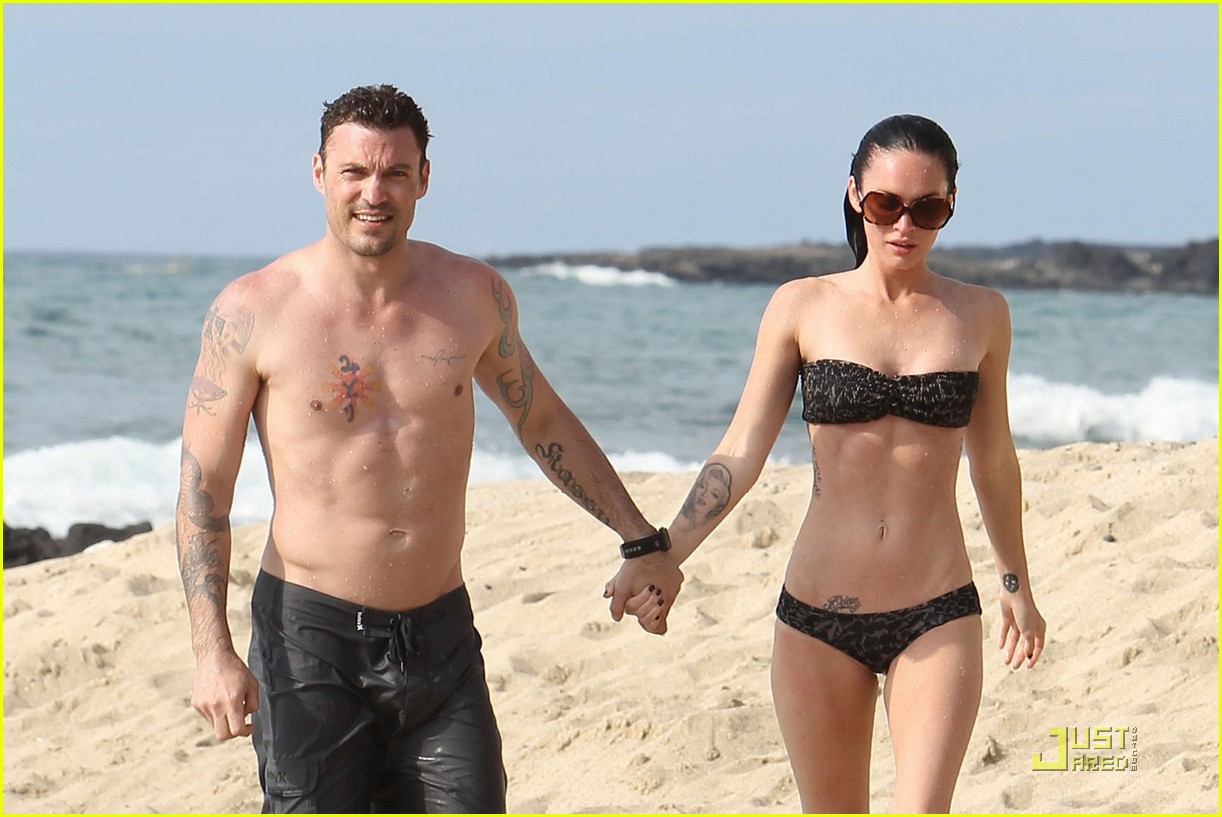 megan fox brian austin green kisses beach 182455629