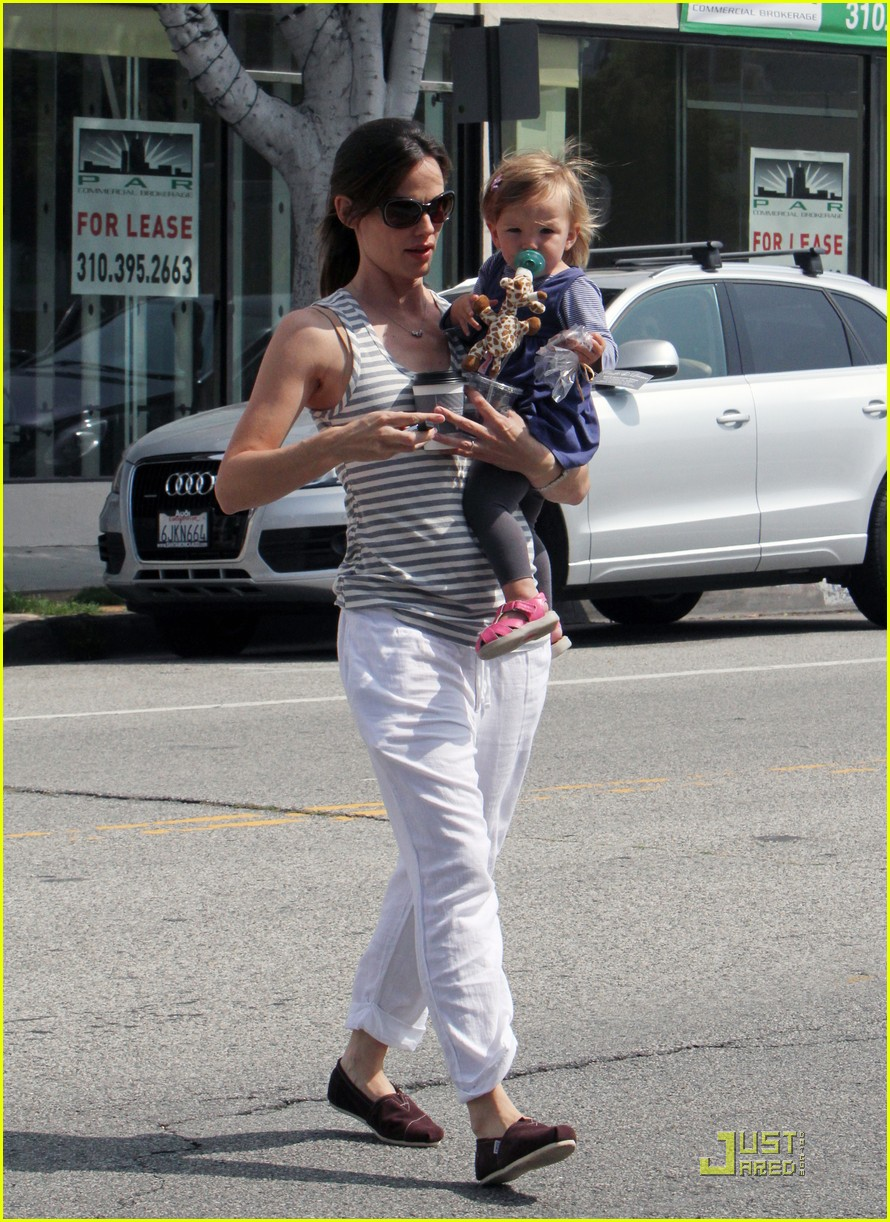 jennifer garner luxxe ladies 17