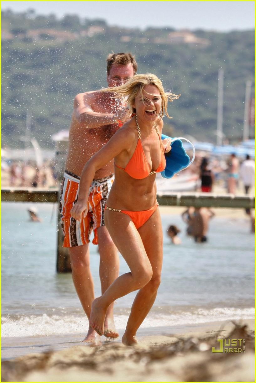 geri halliwell bikini babe 012460101