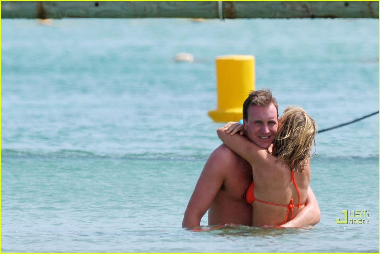 geri halliwell bikini babe 072460107