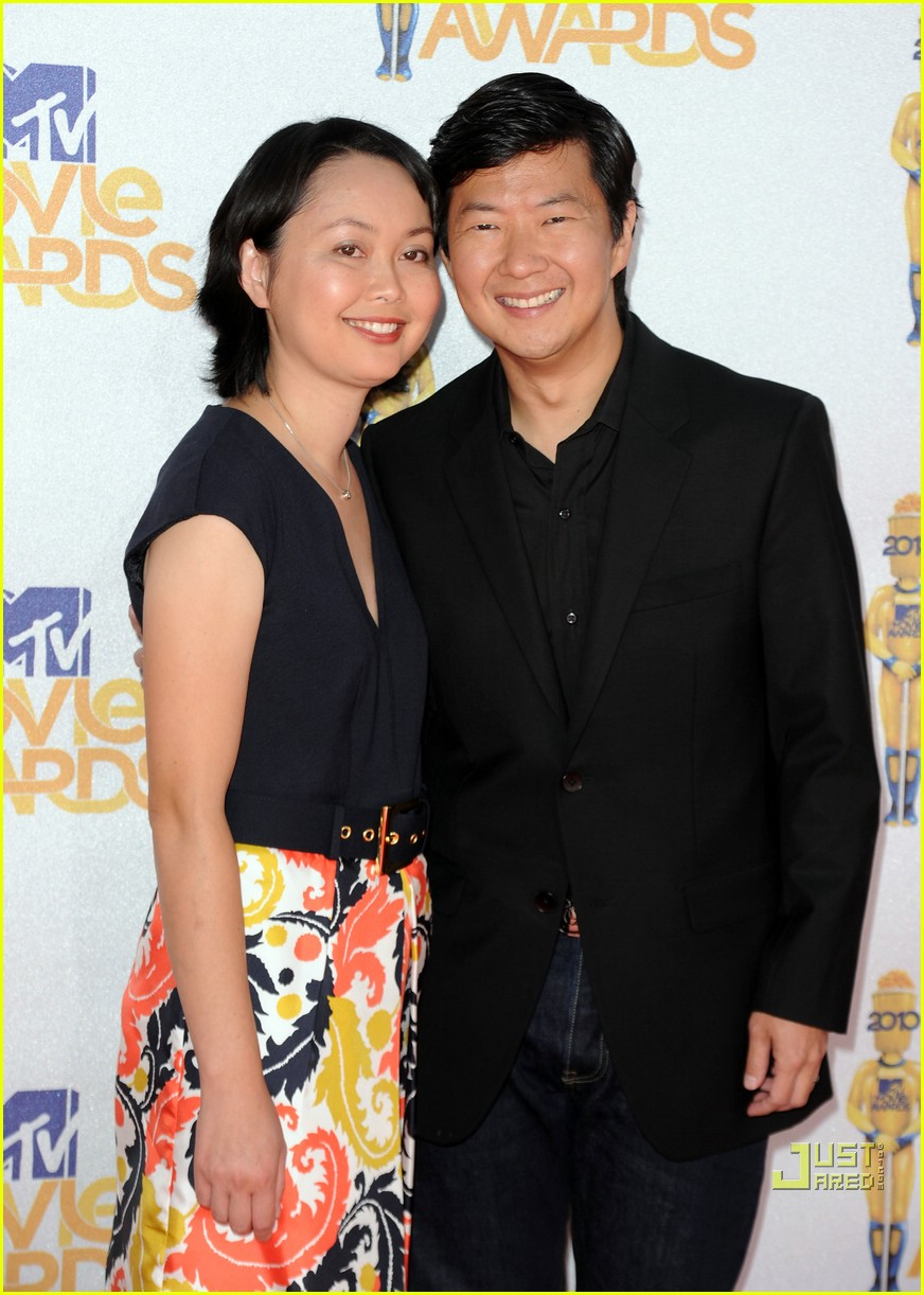ken jeong 2010 mtv movie awards ass 01
