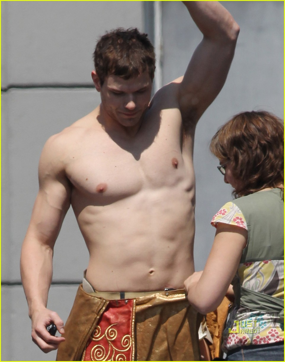 kellan lutz loincloth shirtless 03