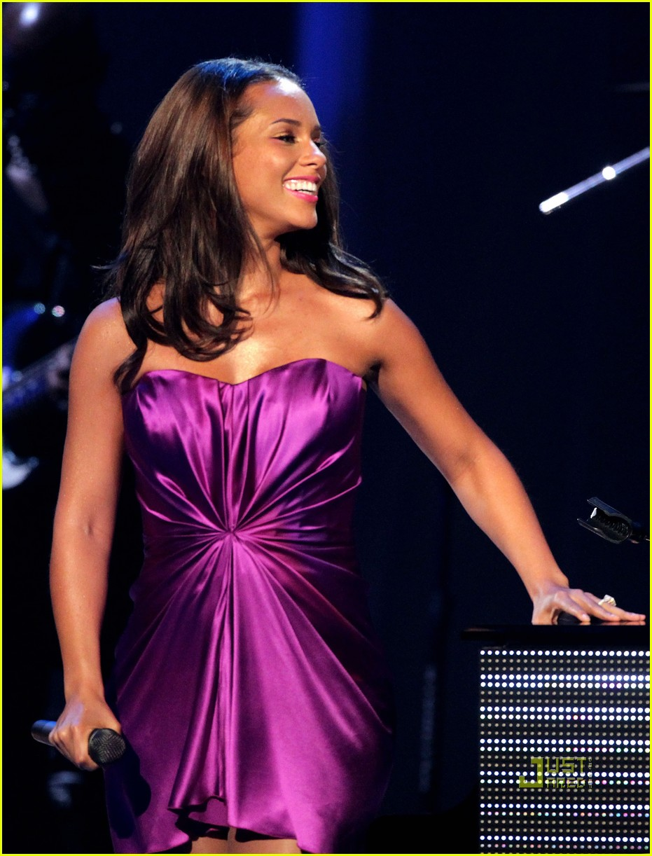 alicia keys bet awards 2010 042462366