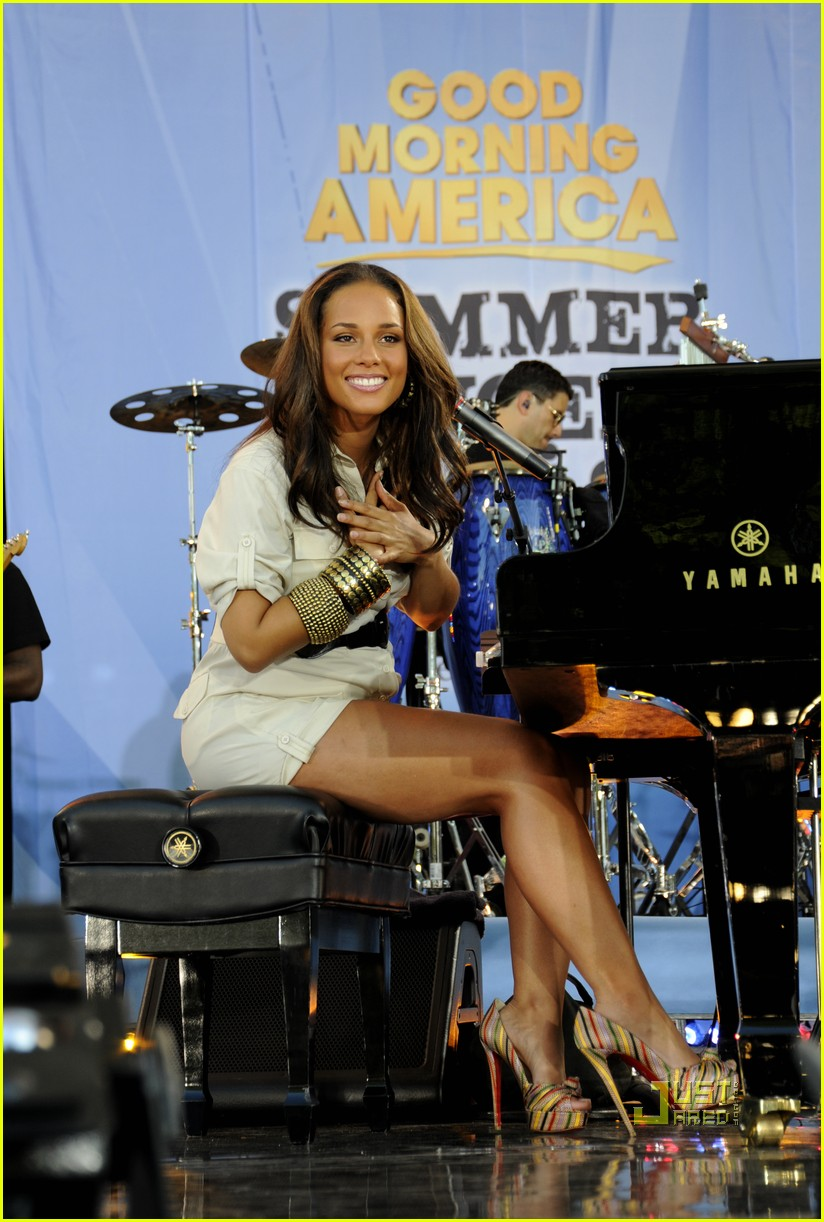 alicia keys good morning america baby bump 012461600