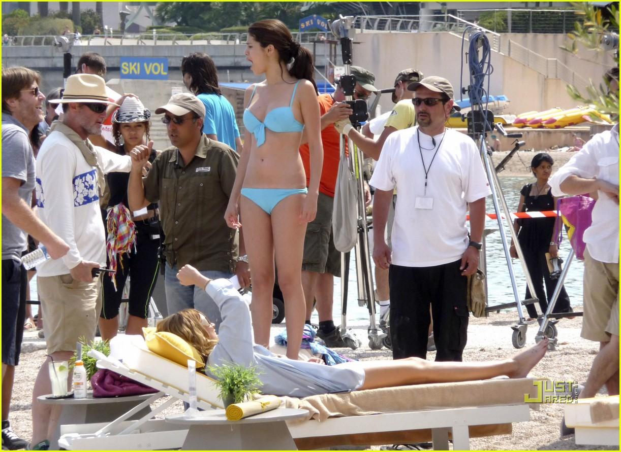 leighton meester bikini selena gomez 082461672