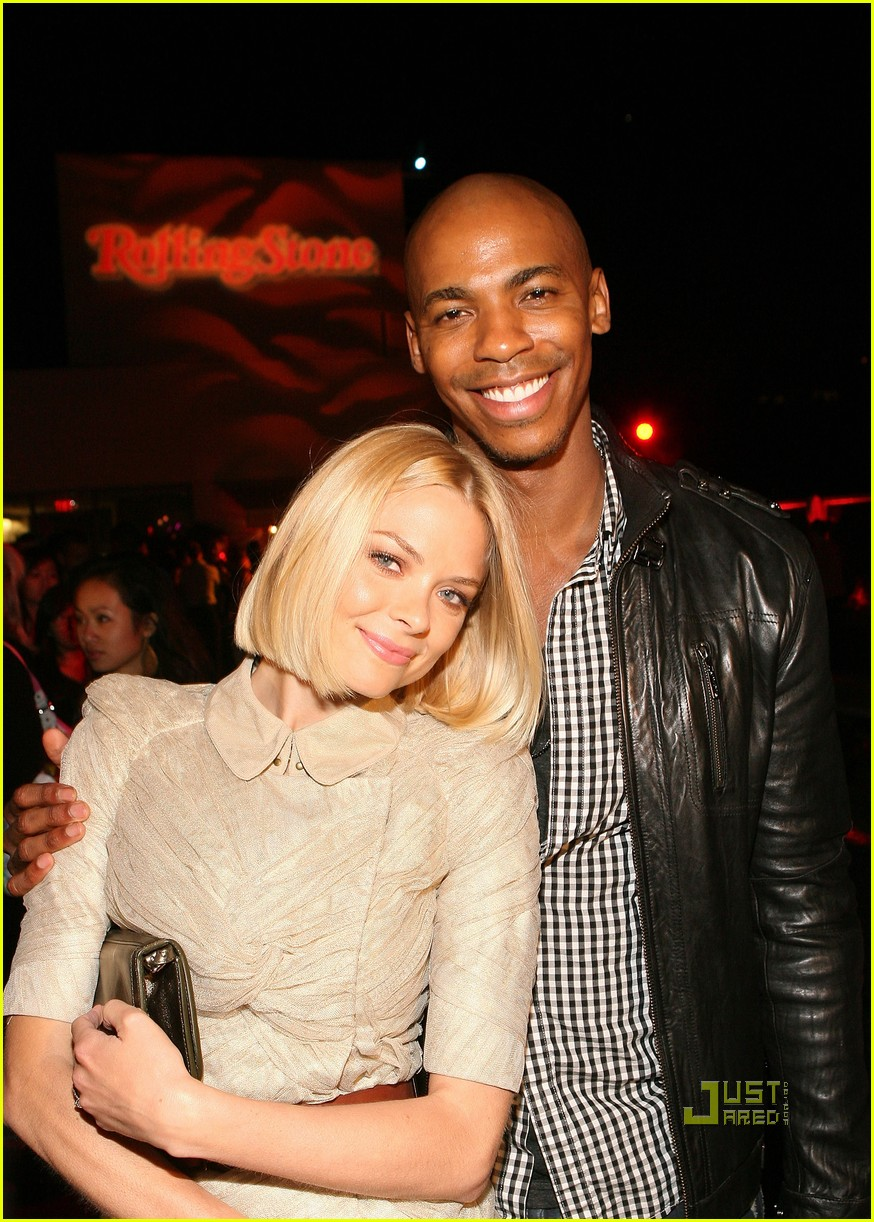 mehcad brooks rocks the roof 012461637
