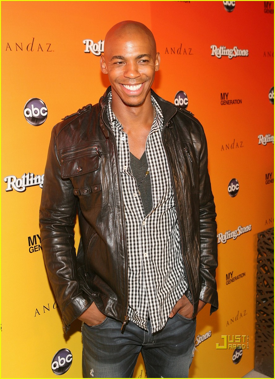 mehcad brooks rocks the roof 022461638