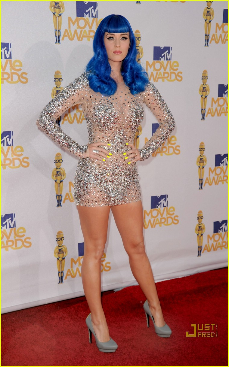 Katy perry mtv movie awards 2010 red carpet