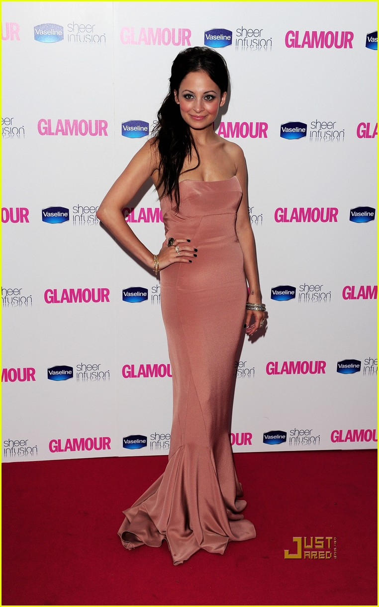 nicole richie glamour woman of the year awards 012457377
