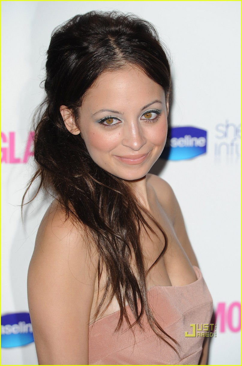 nicole richie glamour woman of the year awards 022457378