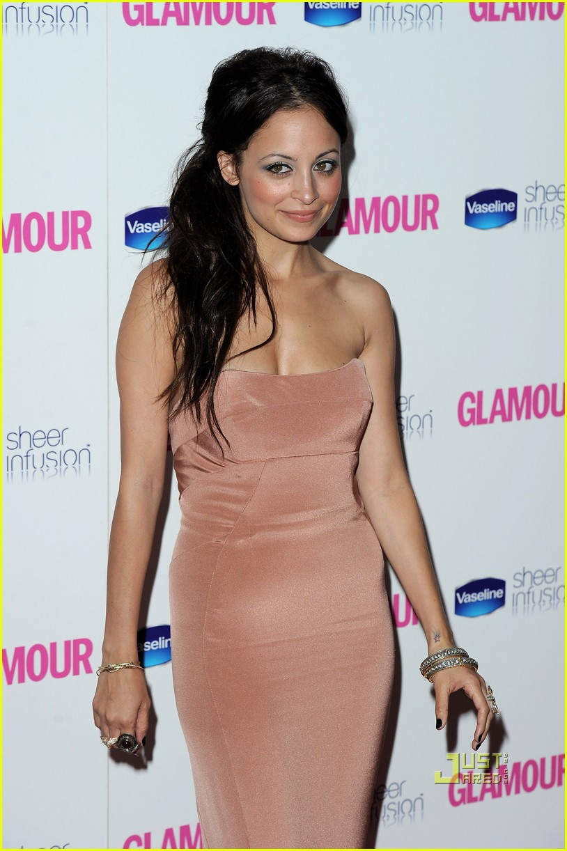 nicole richie glamour woman of the year awards 072457383