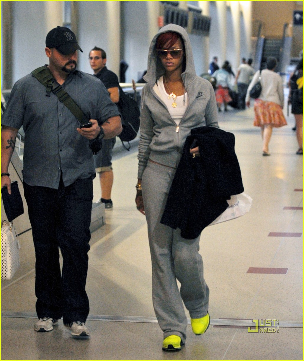 rihanna lax airport chartreuse sneakers 02