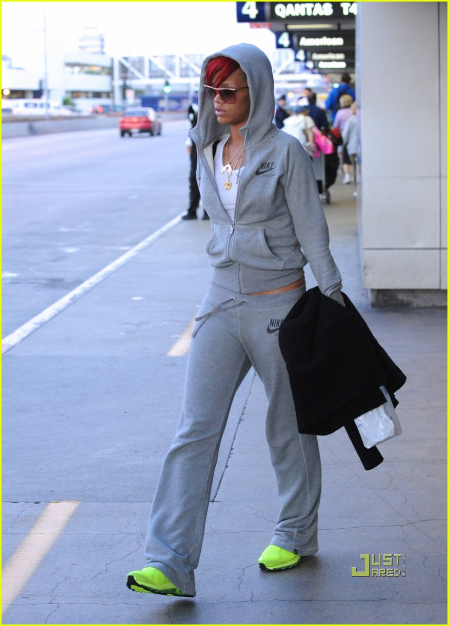 rihanna lax airport chartreuse sneakers 05