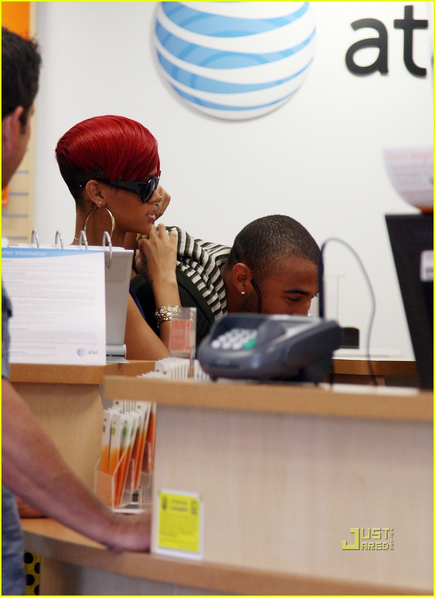 rihanna iphone matt kemp 10