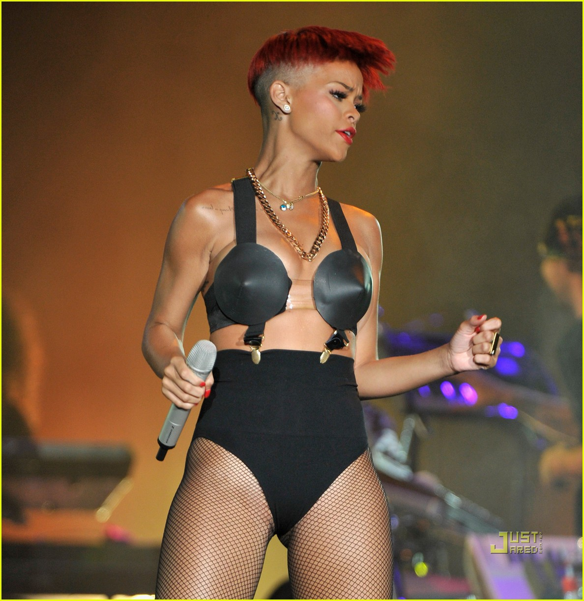 rihanna red hair 352456402