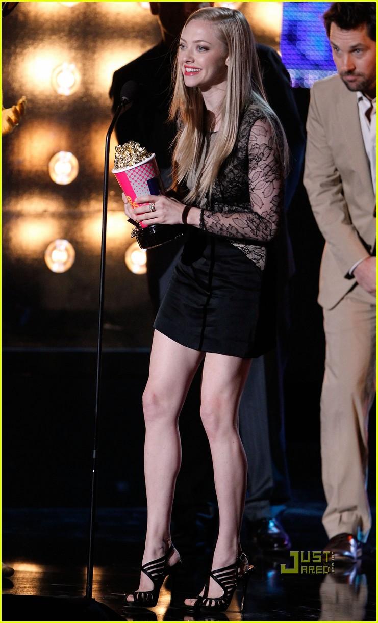 amanda seyfried mtv movie awards 2010 042456820
