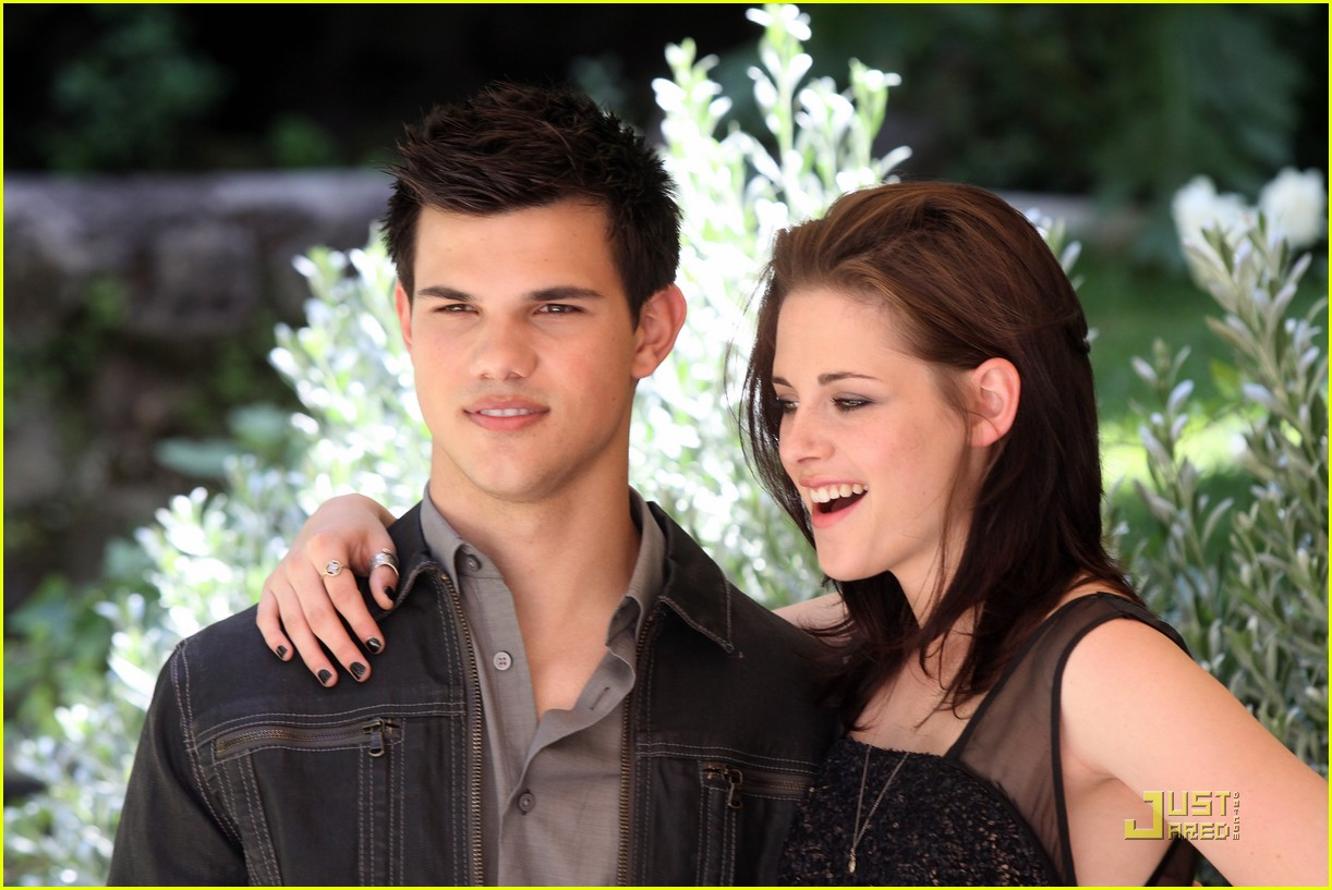 kristen stewart taylor lautner in rome twilight 12