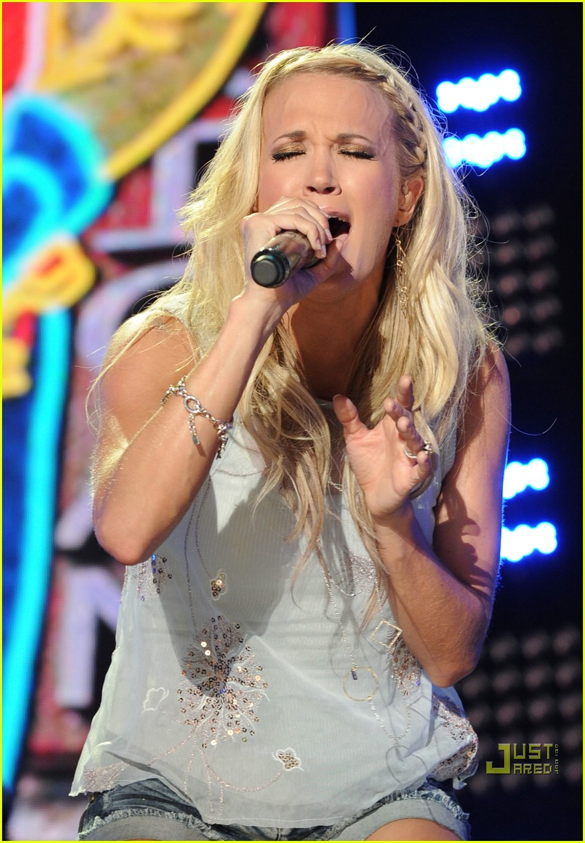 carrie underwood cowboy boots beautiful 192458169